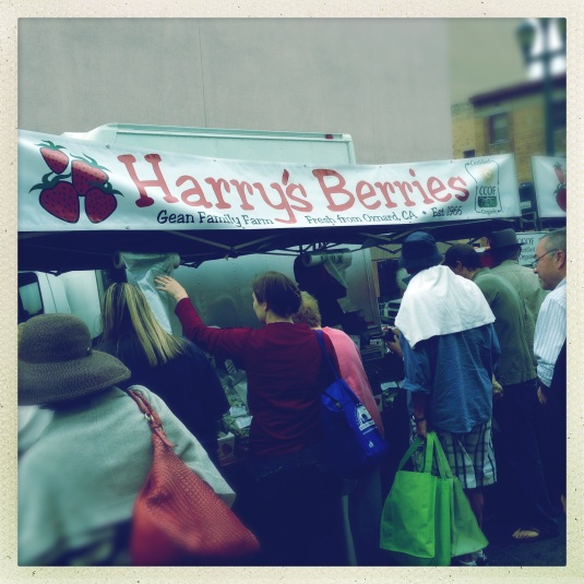 Folks queuing up at Harry's Berries at the Santa Monica Farmer's Market
